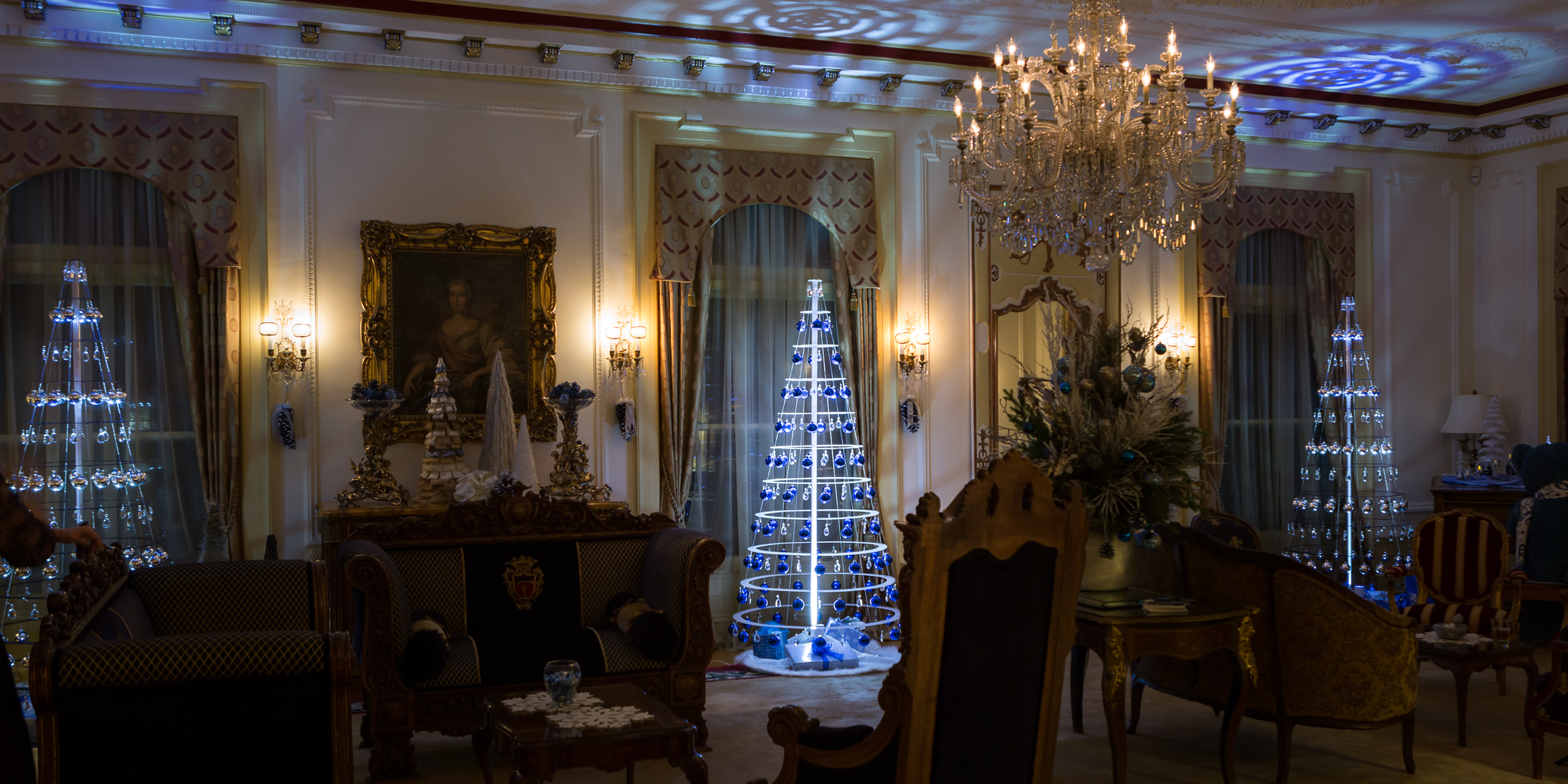 Colorado governors mansion christmas tree the colorado governors residence also known as the cheesman boettcher mansion began as a landmark private home was transformed into a display of aloadofball Choice Image