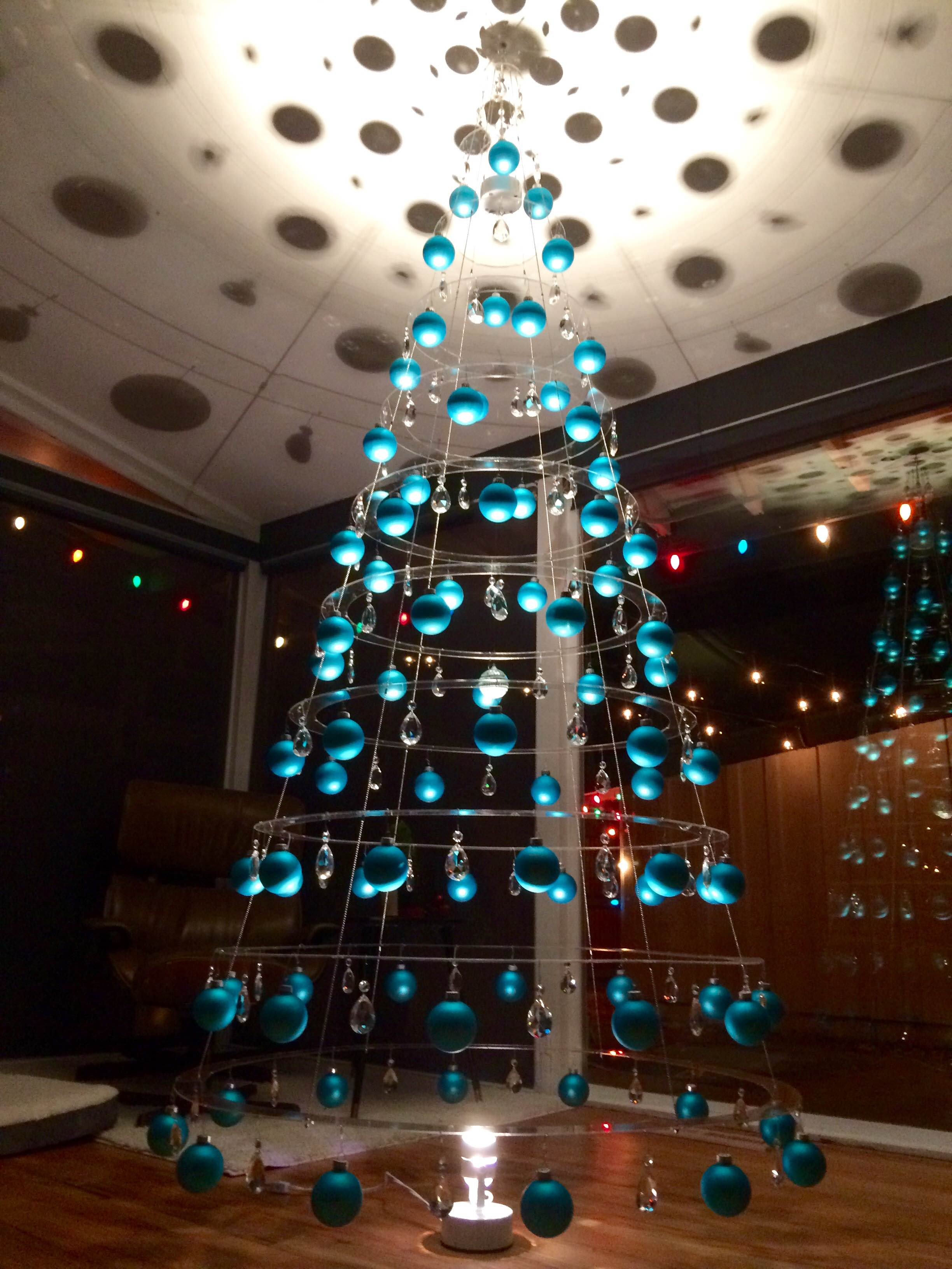 Favorite Clear-Plexiglass-Hanging-Contemporary-Christmas-Tree-Teal  RI43