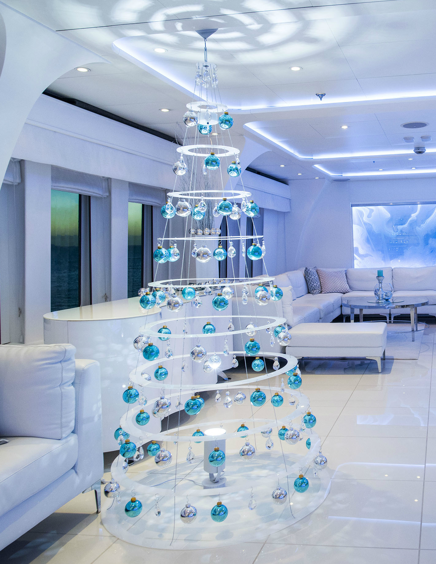 Hanging-White-Modern-Christmas-Tree-Cruise-Ship