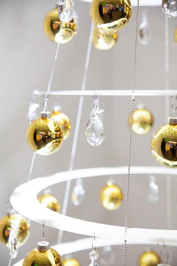 Decorated hanging tree modern christmas trees for Modern gold christmas tree