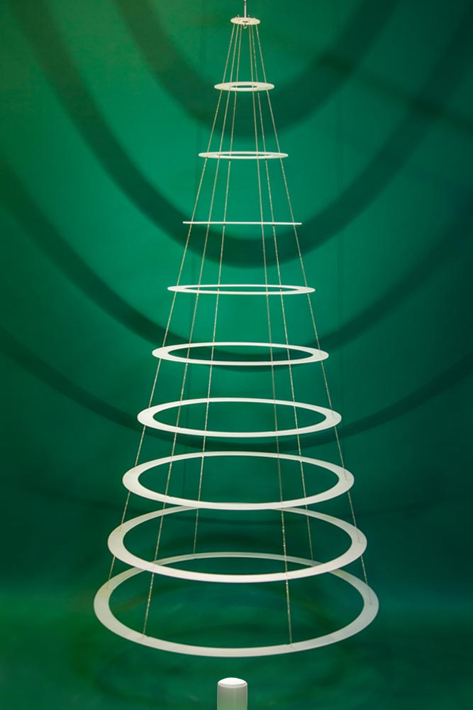Undecorated Classic 7 5 Tree Modern Christmas Trees