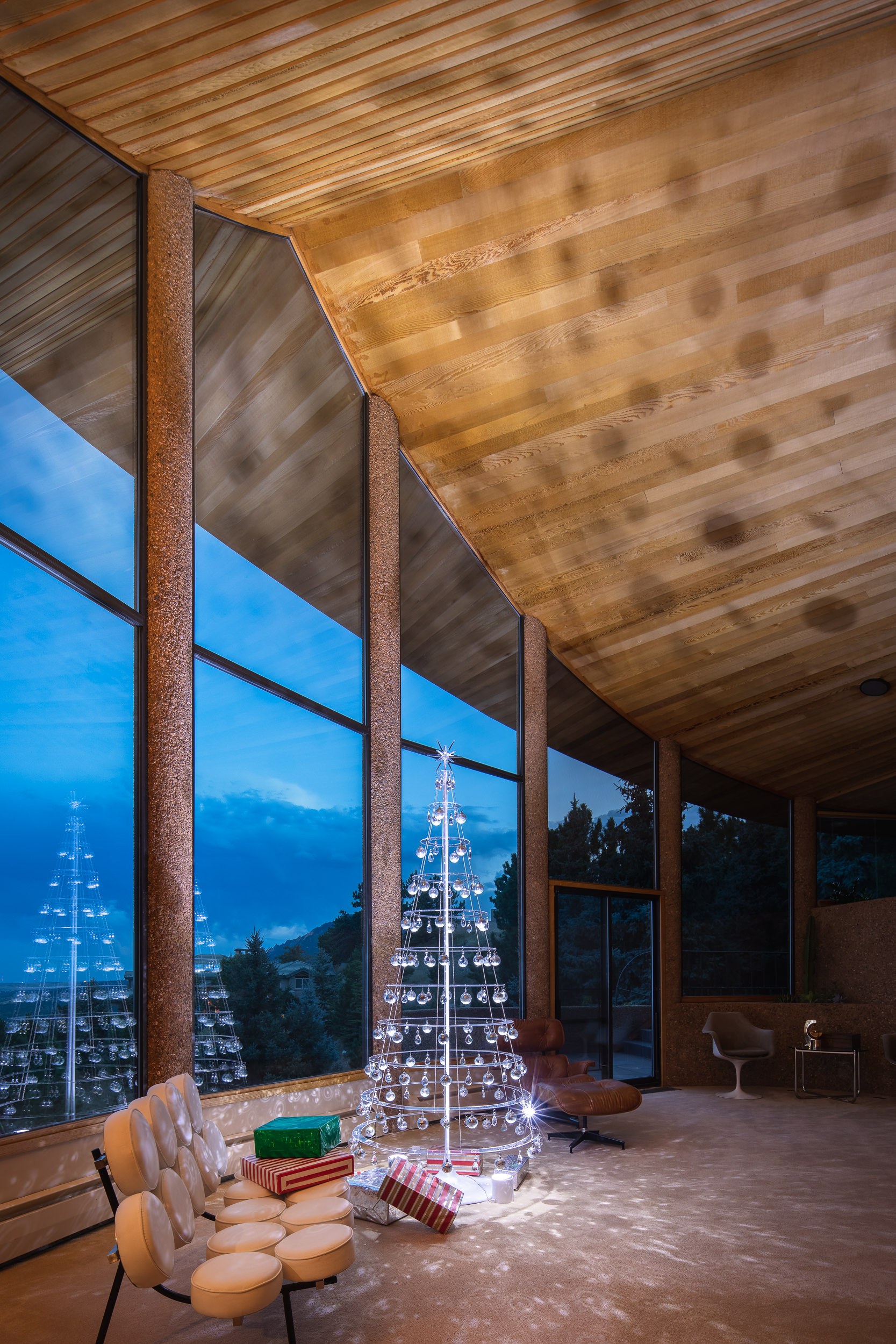 Hanging Clear Modern Christmas Tree