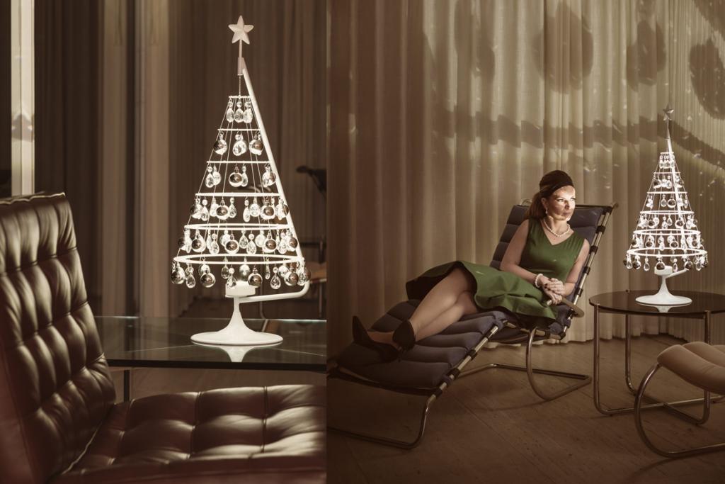 Farnsworth House Christmas Tree